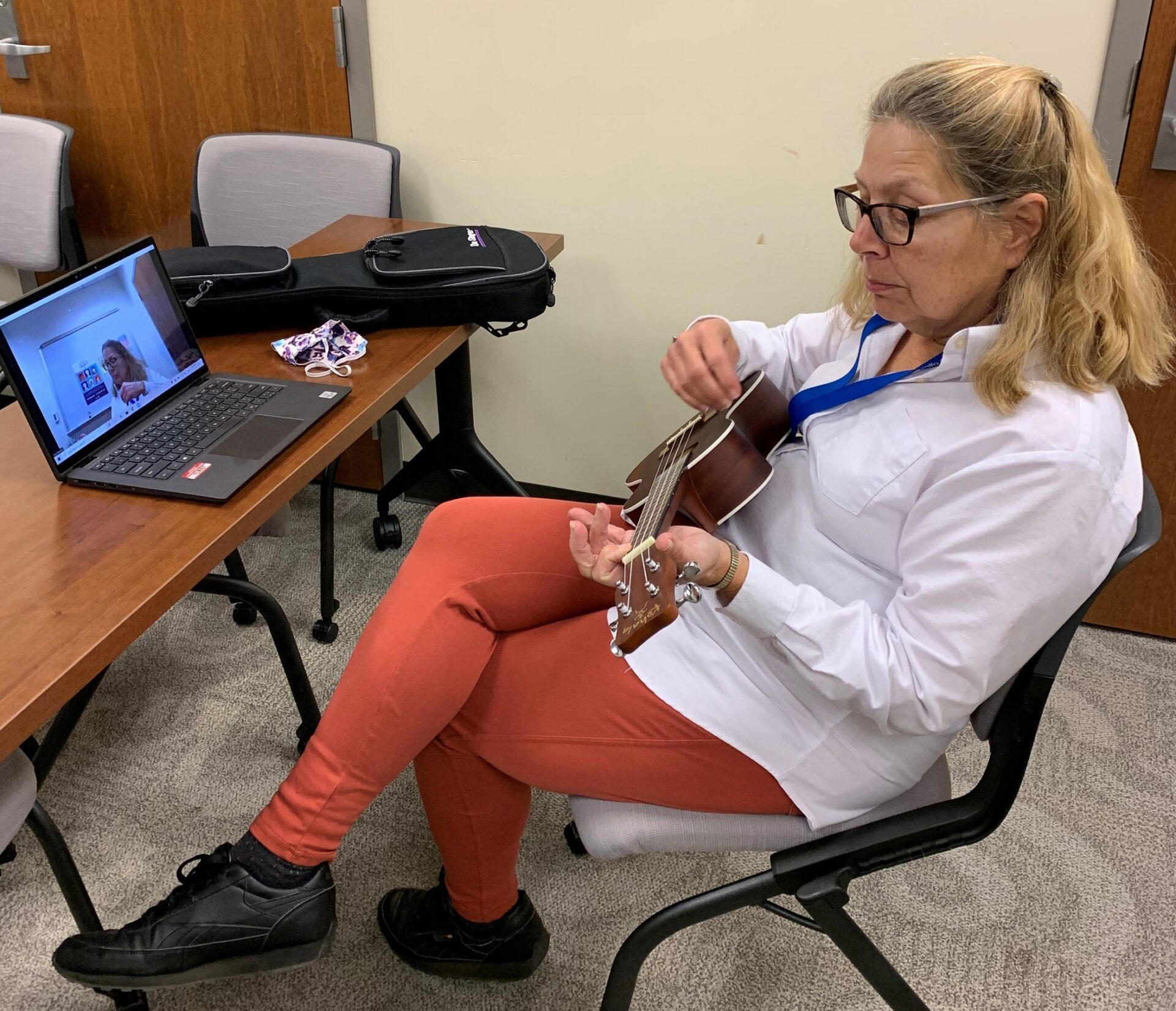 Georgie Reardon of the Lancaster County Office of Aging takes part in a Virtual Connections ukulele lesson. (Source: Office of Aging)