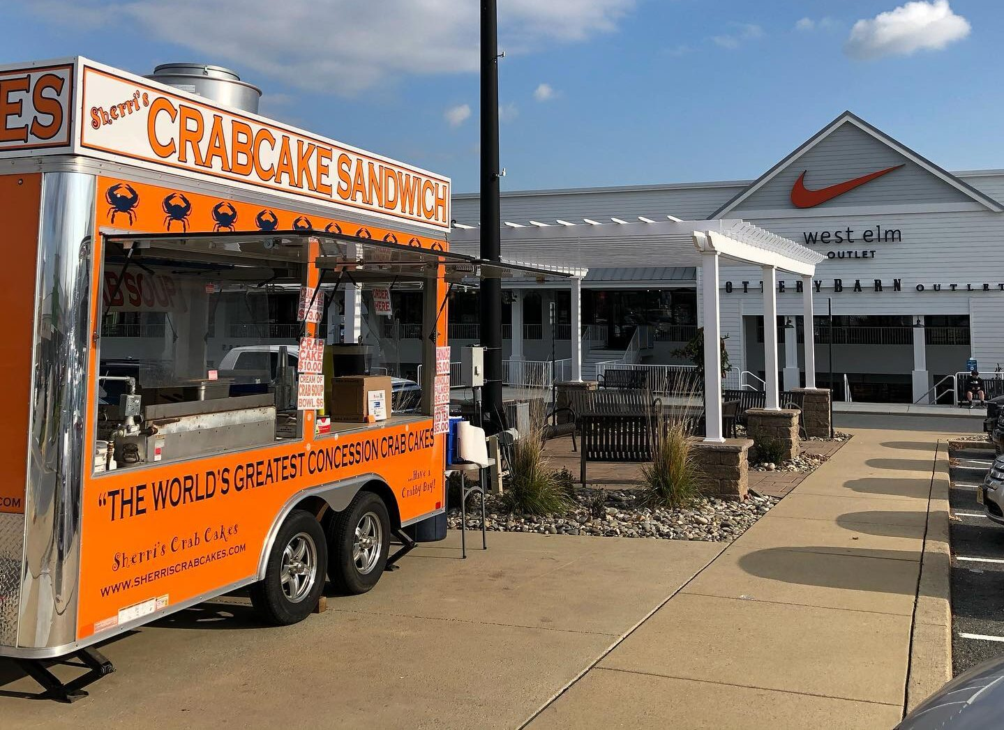 Crabcake Shack food truck outside Tangier Outlets on Dec. 10. (Source: Tangier Outlets Lancaster)