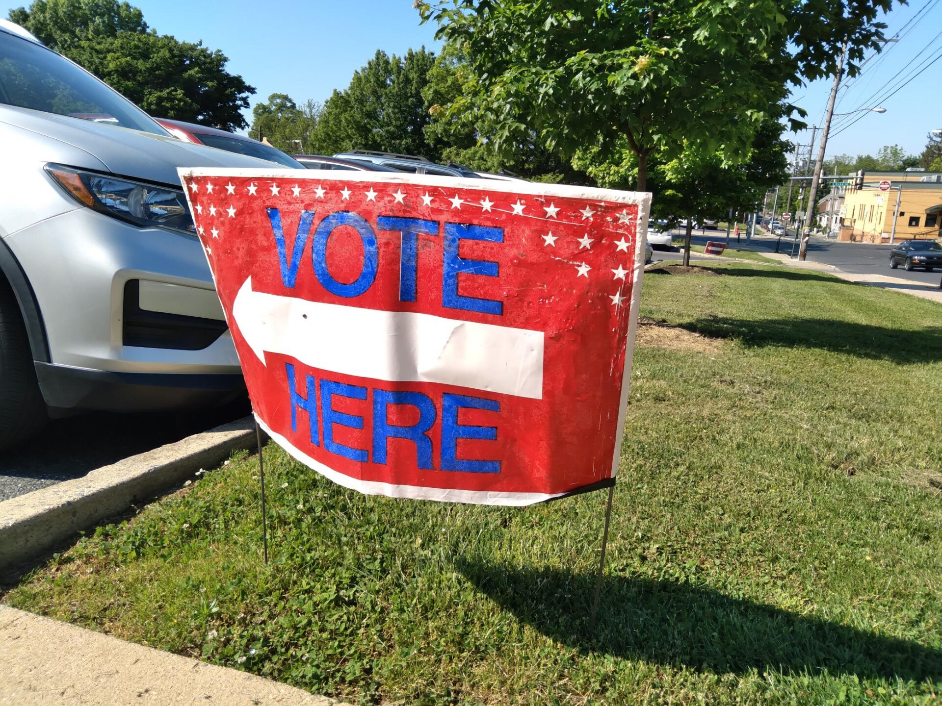A sign marking a voting poll for the 2021 primary on Tuesday, May 18. (Source: Tim Stuhldreher)